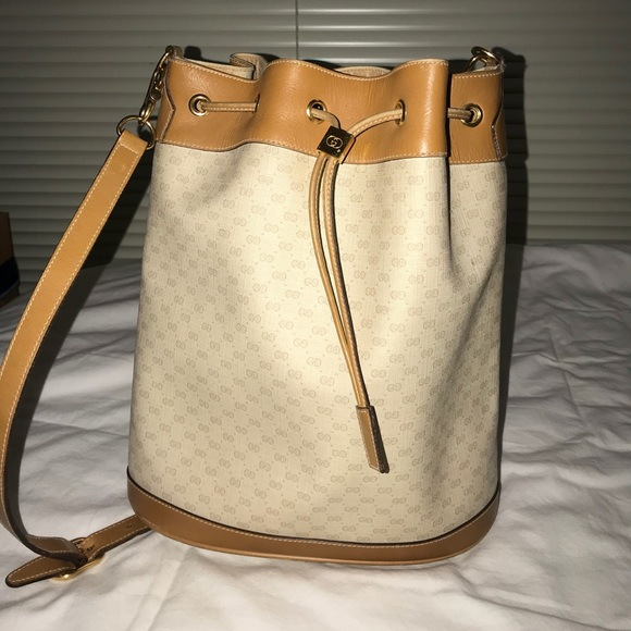 Gucci Handbags - Gucci Bucket Bag